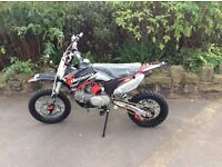 DEMON X DXR 2 125CC PIT BIKE (BRAND NEW )