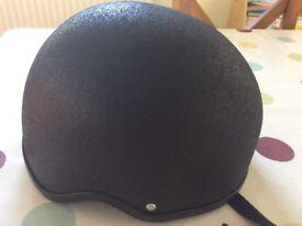 Children's Champion horse riding hat ,size 0 (BS EN:1384.2012)