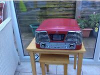 Memphis style record player/cd/radio player.Perfeact condition