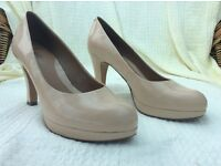 Ladies nude court shoes