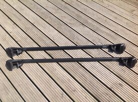 Thule roof bars complete set, 757 footpack and 120cm square bars.