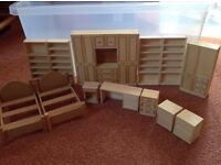 Dolls' house bedroom furniture. 13 pieces.