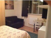 Lovely clean spacious Kilburn room for one £650 all inclusive opposite tube