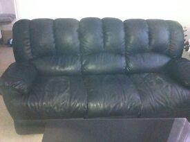 Black Leather Sofas - Reclining