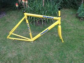 GENTS PENDLE ALUMINIUM ROAD/RACE BIKE FRAME AND FORKS - 23 INCH FRAME SIZE
