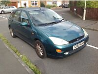 Ford Focus Ghia 5dr 1 lady owner from new