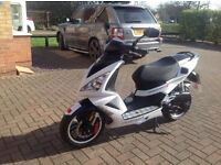 "PEUGEOT SPEEDFIGHT ""3"" 50cc LIQUID COOLED ICEBLADE ONLY 4580 miles. ABSOLUTELY IMMACULATE. 62 plate."