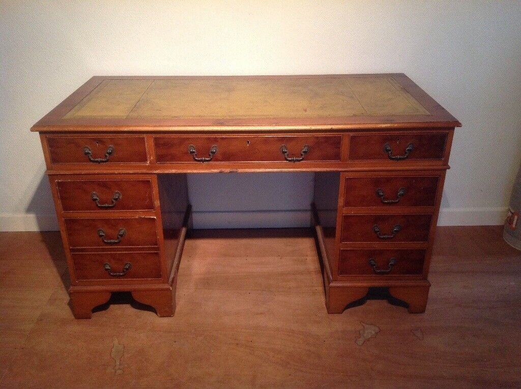 Bankers Style Desk Nice Quality Piece Real Wood Heavy Leather Top