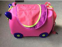 Trunki Suitcase with Saddlebag (pink)