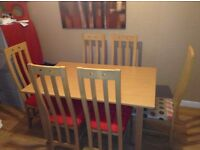 Dining table and 6 chairs Oak veneer with solid Oak legs - 1400x900x760 (1800 when extended)