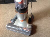 Upright Vax Air Stretch Hoover 9m cord