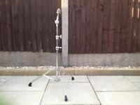 Cymbal stand straight