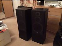 Jamo Studio 170 free standing Seperate Speakers