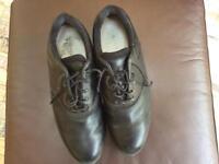 Men's size 11 golf shoes