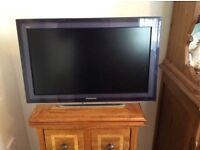 22 INCH LCD TELEVISION PANASONIC