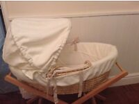 Mamas and papas Bedtime Hugs Moses basket and stand