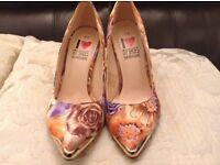Heeled shoes size 6/39