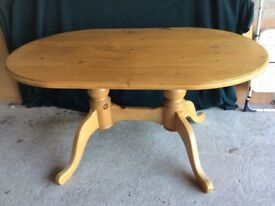 Good Quality Antique Pine Dining Table & Chairs