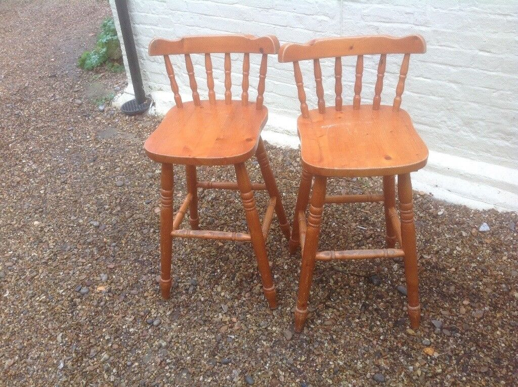 2 pine chairs / bar stools