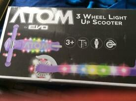 Atom scooter