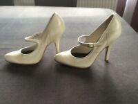 River Island Ivory Shoes Size 5