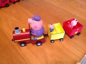 Peppa pig train in excellent condtion with Peppa and George figures