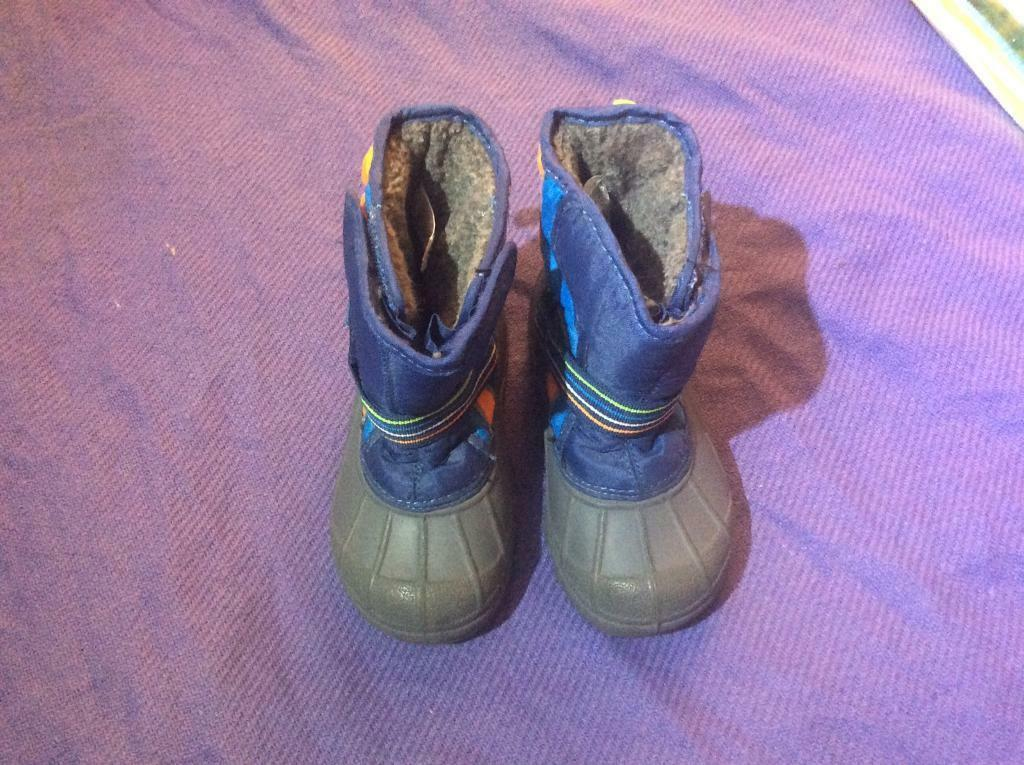 Next toddler boots size 7 new