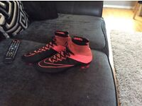 Size uk 7 Nike sock boots