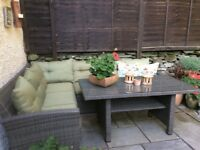 Gorgeous Hartman Corner patio set and table with full cushions