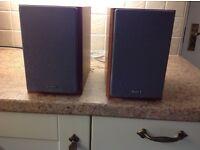 Hi Fi speakers