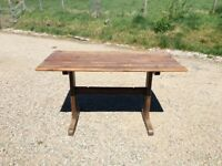 Lovely solid oak kitchen table
