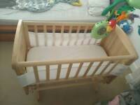 Baby crib with swing, selling with the bumper, mattress etc