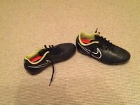 Nike black Magista soft ground football boots. Size 6.
