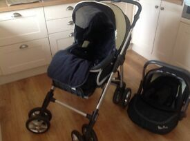 Silver Cross Travel System 3 in 1: Chassis, Pushchair, Car seat, Footmuff.
