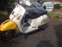 PIAGGIO VESPA GTS 300 IE 2013 18 000 KM