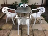 Lovely garden table and 4 NOVA chairs(Quality-Made in England 🏴󠁧󠁢󠁥󠁮󠁧󠁿)