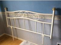 Metal head-frame for double bed