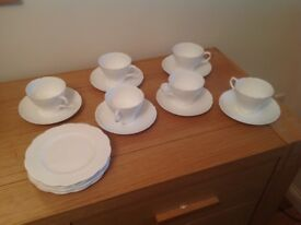 Job lot of 13 vintage tea cups and saucers. 11 side plates. Great for vintage wedding / tea party.