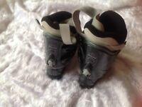 Ladies ski boots