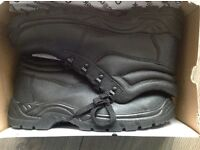 Brand new steel toe cap work boots size 11