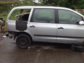 Ford galaxy 1.9tdi 2004 breaking (all parts available)