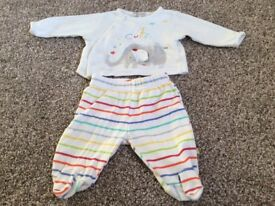Unisex baby clothes big bundle newborn and upto 1 month 32 items