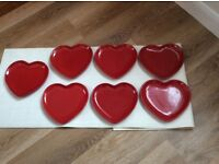 RED HEART PLATES X 7