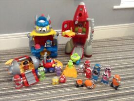 Happyland rocket and retro robot with aliens, spacemen and vehicles