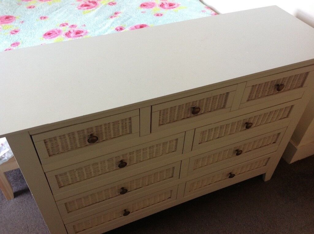 Chest of drawers - soft off white colour with light weight drawers.  Attractive storage space.  4ce2729755aad