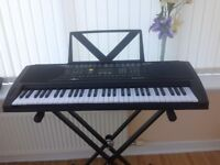 Electric Keyboard in pristine condition