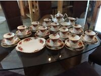 Royal Albert 'Old Country Roses' teaset