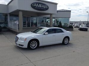 2012 Chrysler 300 TEXT 519 965 7982 / QUICK & EASY FINANCING !!!