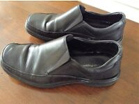 MENS BLACK HUSH PUPPIES SHOE_SIZE 8