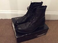 Triumph motorcycle boots new 45